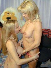 Pictures of Angie XXX making out with her girlfriend
