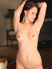 Pictures of Kissable Kaydin getting completely nude