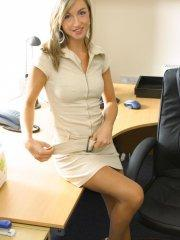 Pictures of teen model Melanie Walsh stripping in the office for you