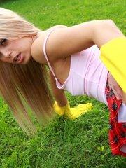 Pictures of teen model Sabrina Blond enjoying the cock