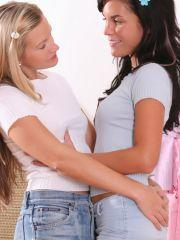Pics of teen Terry Lightspeed making out with her girlfriend